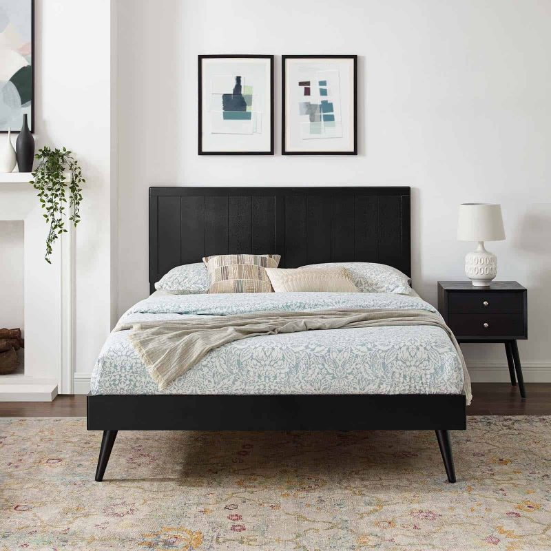Alana King Wood Platform Bed With Splayed Legs in Black