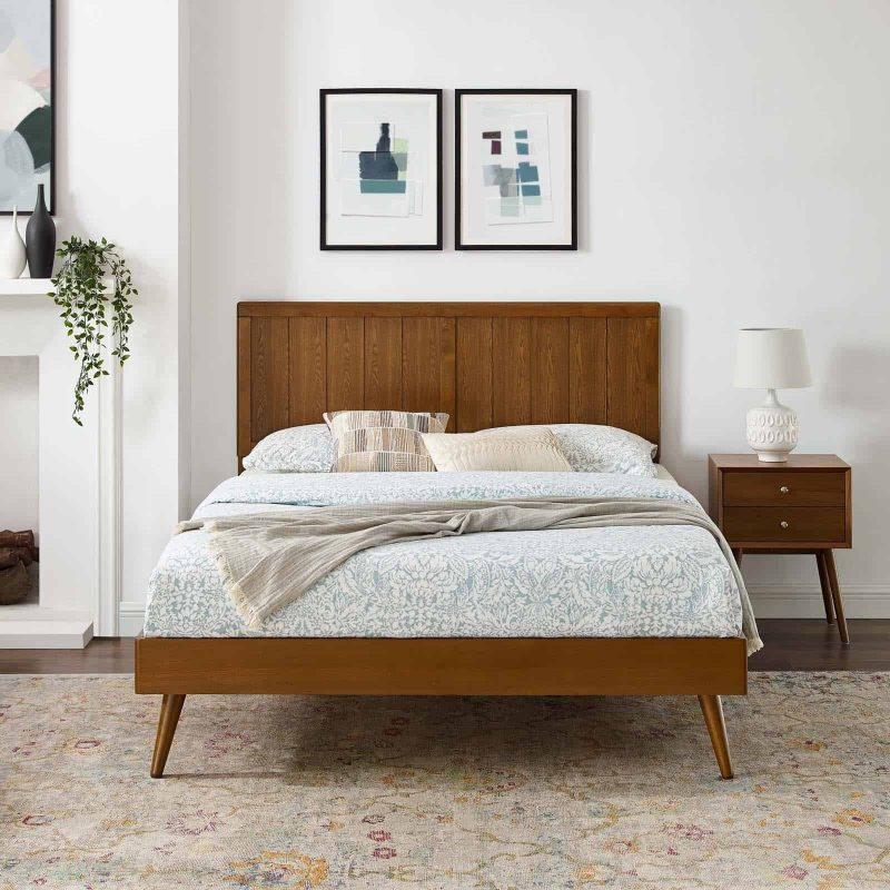 Alana King Wood Platform Bed With Splayed Legs in Walnut