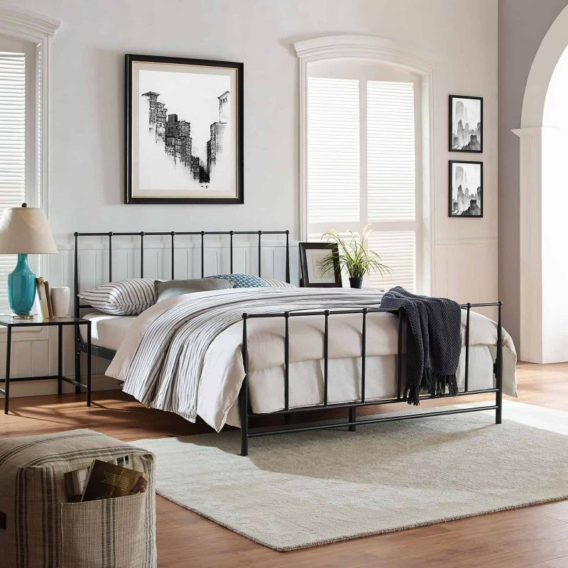 Estate King Bed in Brown