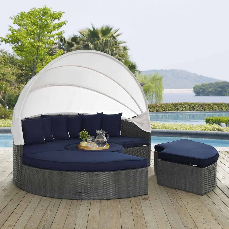 Sojourn Outdoor Patio Sunbrella® Daybed in Canvas Navy