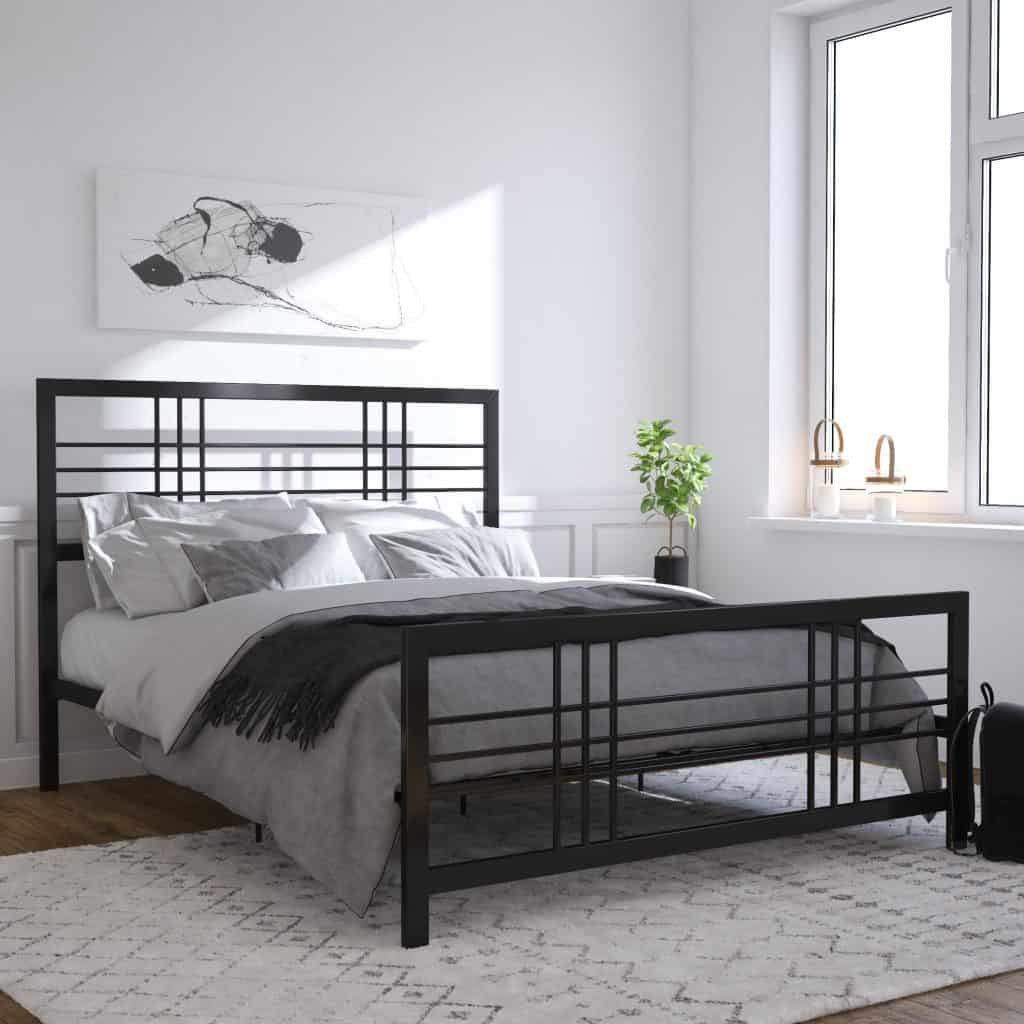 Metal Bed perfect for any bedroom
